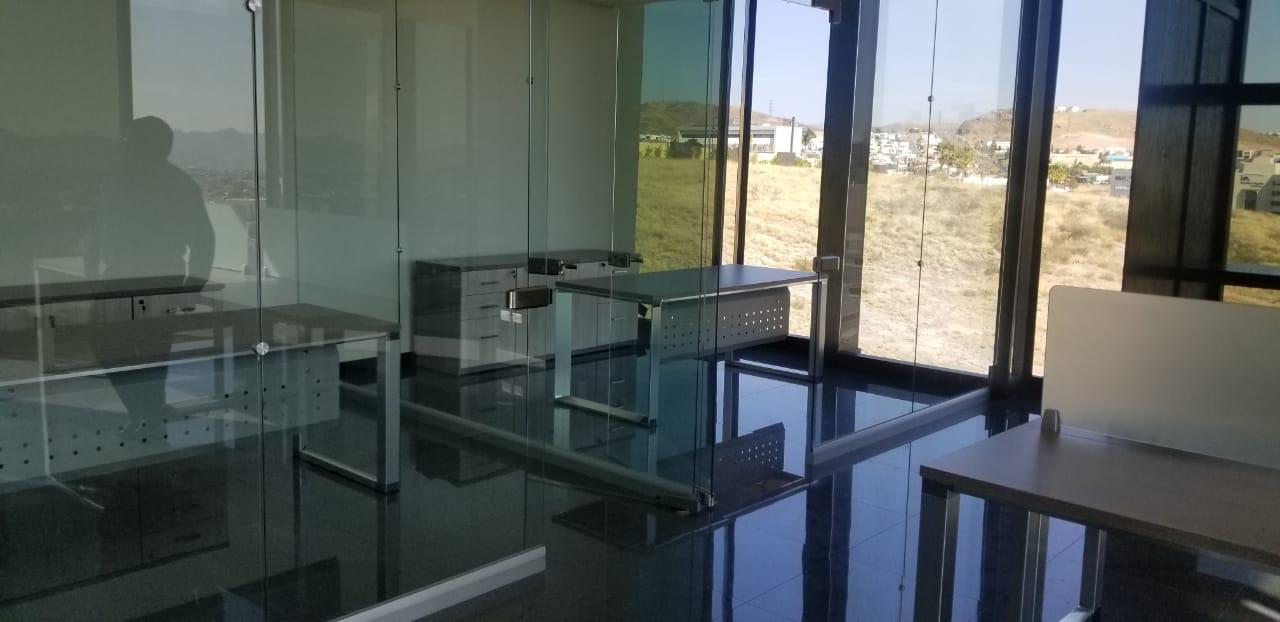 Oficina Ejecutiva En Renta En Edificio Corporativo Azenzo (Suite 34)